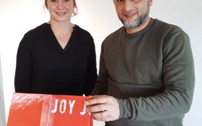 Eerste baan & kerstpakket voor Hassan